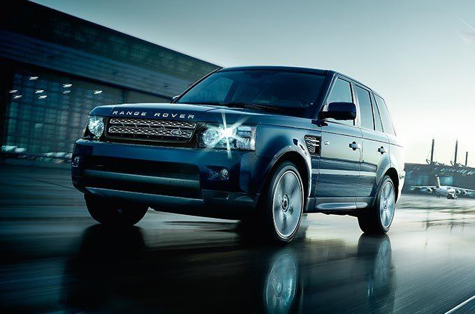 Убезработного москвича угнали Range Rover за9 млн руб.