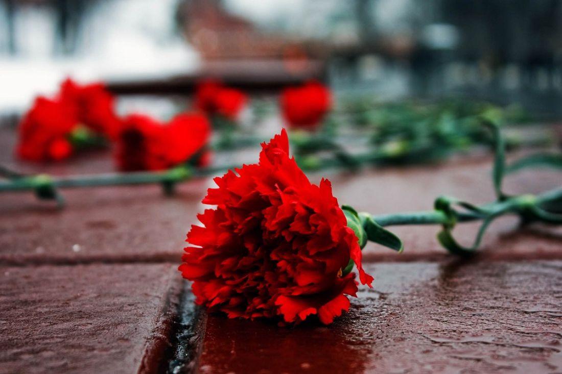 Москвичи вспоминают жертв теракта вТеатральном центре наДубровке