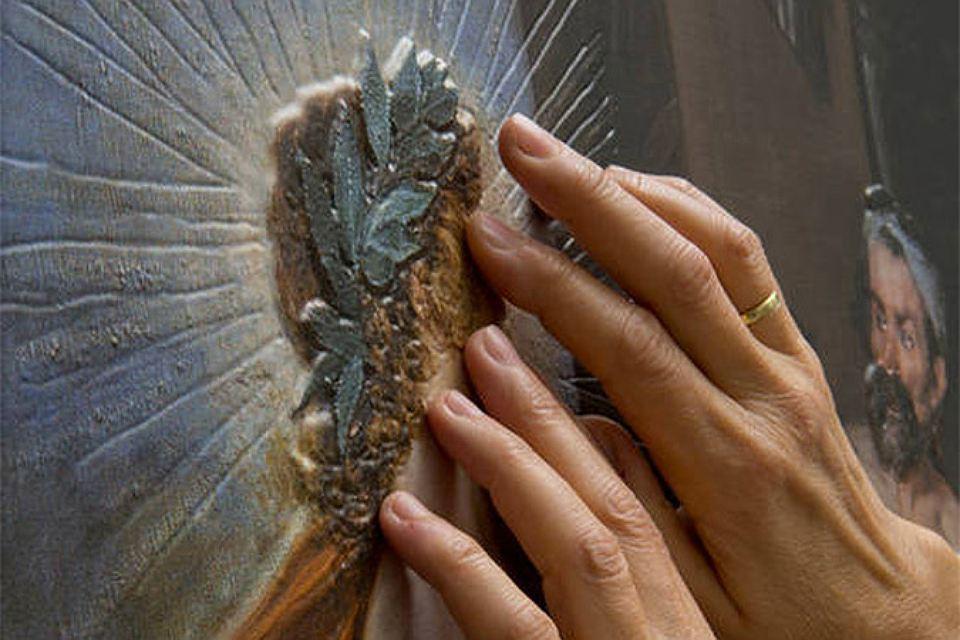 Пушкинский музей: Первая в Российской Федерации выставка тактильных картин для слепых