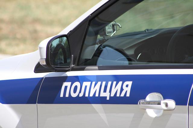 Мужчина ранил ножом вшею незнакомку около заброшенного депо вцентре столицы