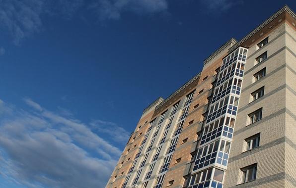 Наюге столицы мужчина выпал изокна четвертого этажа жилого дома