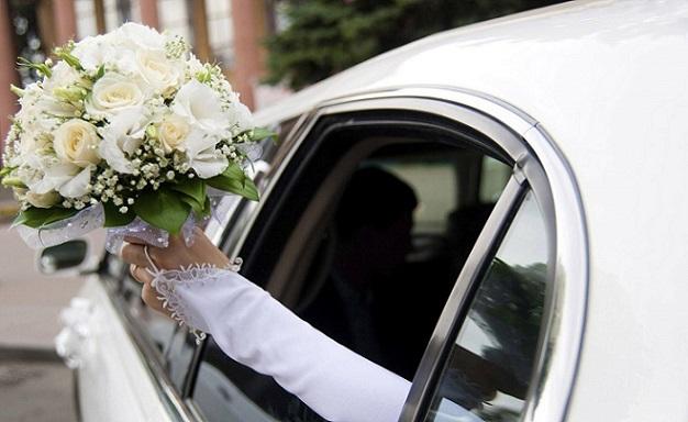Свадебный кортеж заблокировал движение наМожайском шоссе в столицеРФ