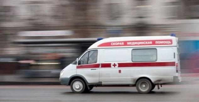 В российской столице вгруппу девушек бросили сверток собжигающим химическим веществом