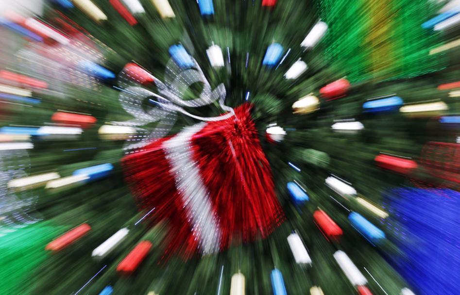 До15декабря в столицеРФ появятся 52 новогодние елки