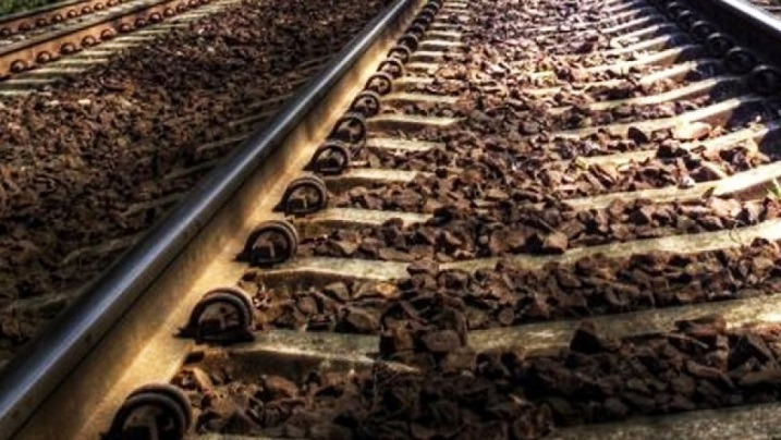 Женщина погибла между поездом иплатформой в российской столице