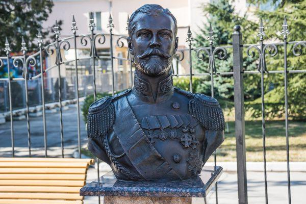 «Аллея правителей» Зураба Церетели откроется вцентре столицы