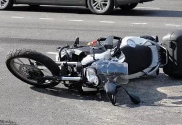 В российской столице  в трагедии  смашиной и 2-мя  мотоциклами пострадали два человека