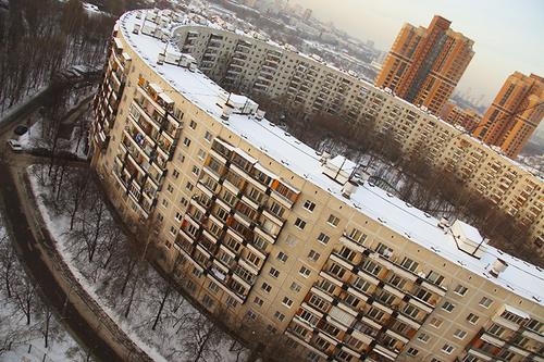 Подъезды жилых домов в столице снабдят инфоэкранами