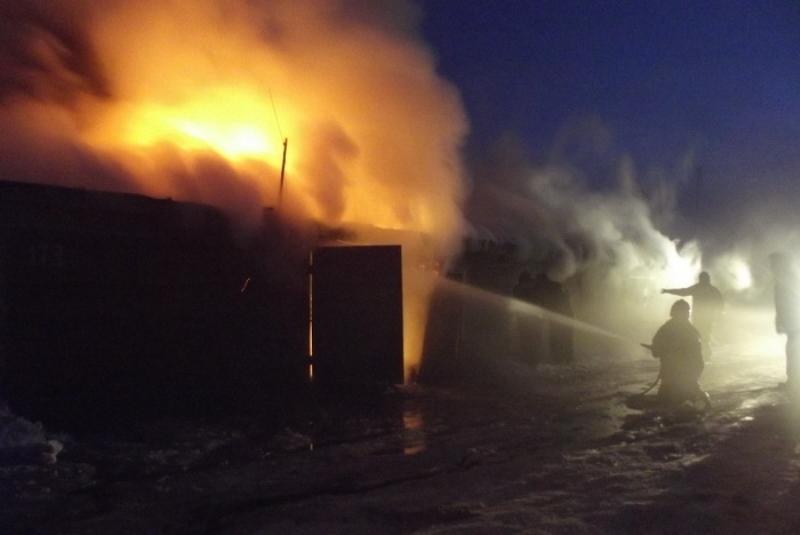 Наюго-востоке столицы ликвидирован пожар наскладе строительных материалов