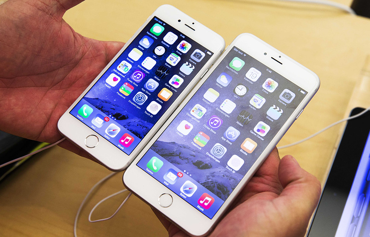 За владельцами устройств Apple следят