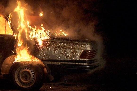 Машина загорелась намосту вподмосковном Ногинске