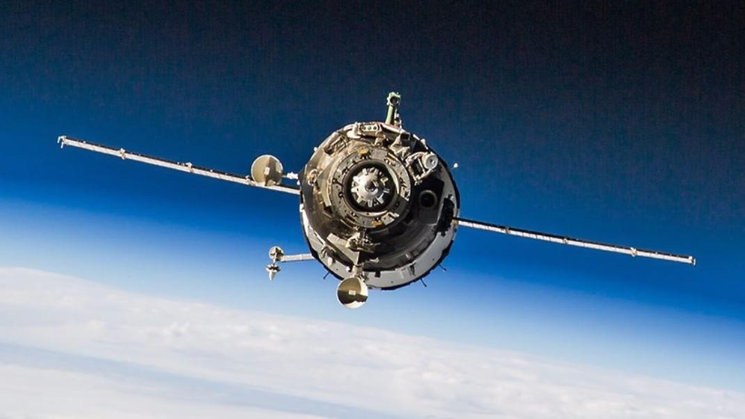 Роскосмос позвал жителей столицы посмотреть наМКС нафоне Луны