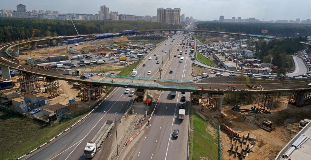 НаКалужском шоссе выстроено иреконструировано 70% задуманных дорог