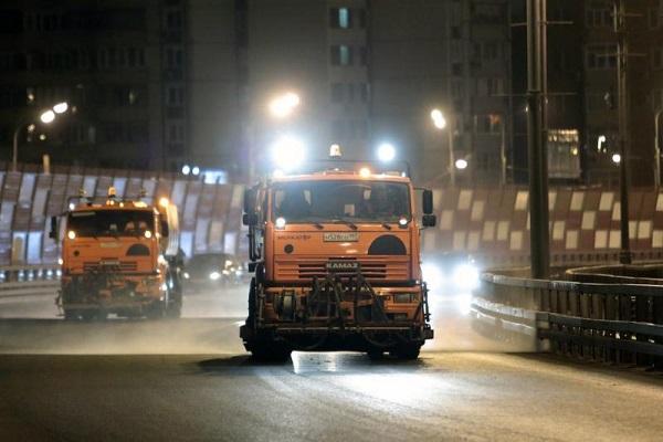 Столичных автомобилистов попросили не препятствовать уборке снега