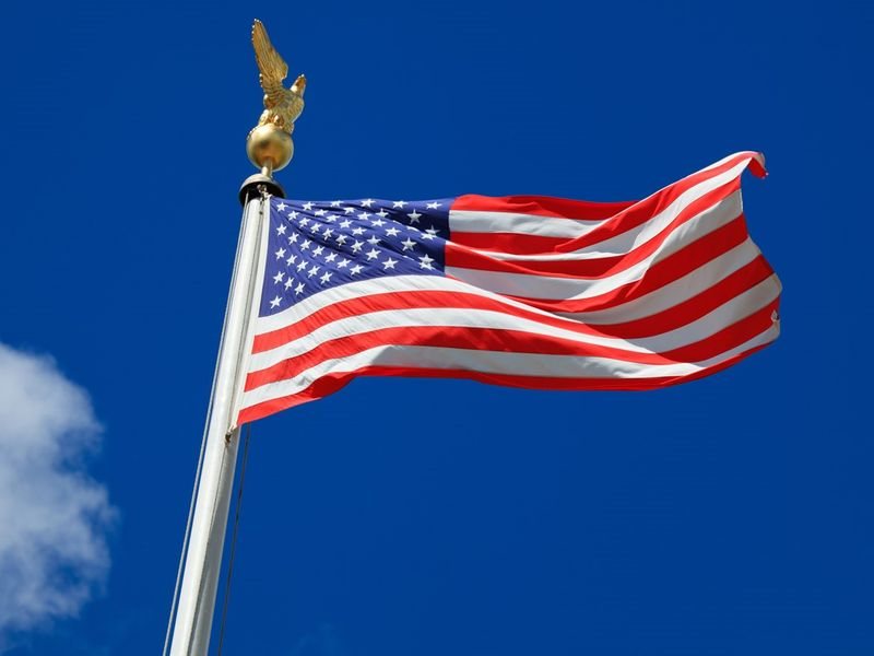 Сколько звезд на американском флаге сша и почему