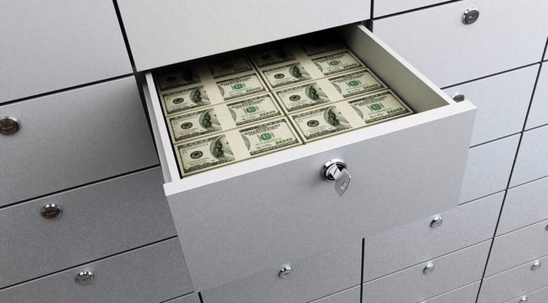 Убезработного москвича украли 300 тыс. долларов