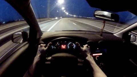 Девушка наMercedes разогналась наМКАД до320 километров вчас