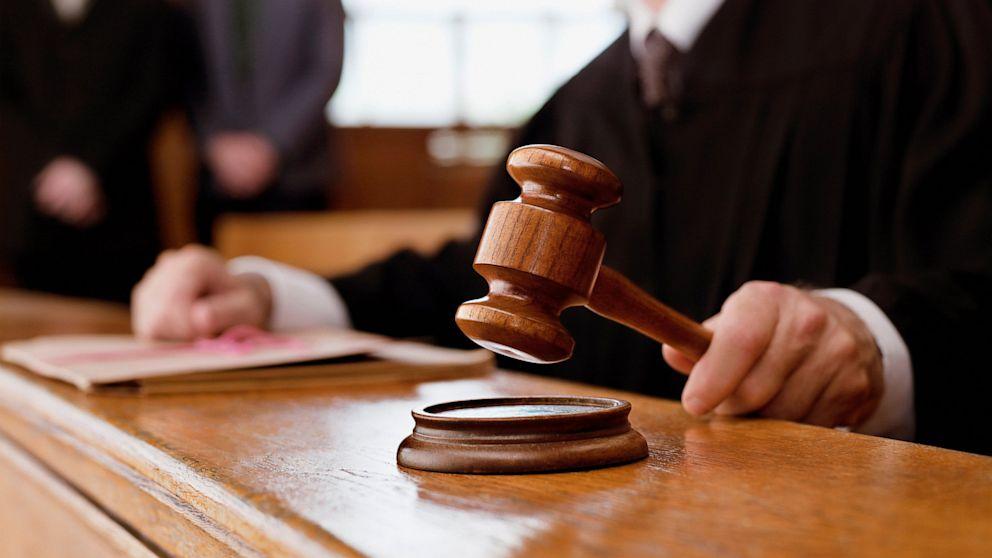 Трое граждан Новосибирска признаны виновными вподжоге здания отдела милиции