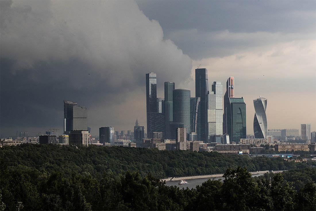 В российской столице вновь предполагается гроза с необычайным ветром— МЧС