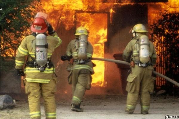 Один человек умер впожаре вквартире навостоке столицы