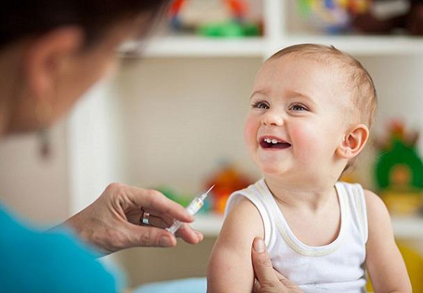 Сделать ребенку прививку можно влюбой детской поликлинике ввыходные