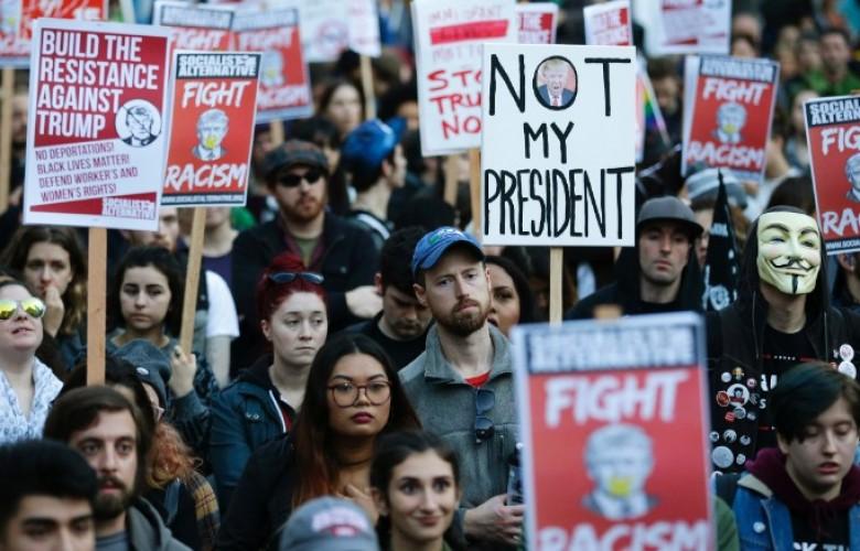 ВСША протестующие против Трампа перекрыли главную дорогу Вашингтона
