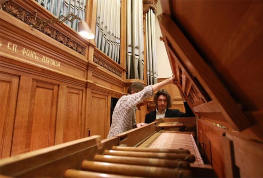 Орган огромного зала Московской консерватории вновь можно услышать после реконструкции