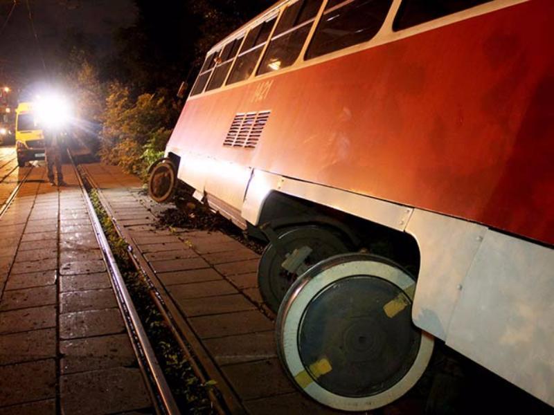 Встоличном Тушино сошел срельсов трамвай