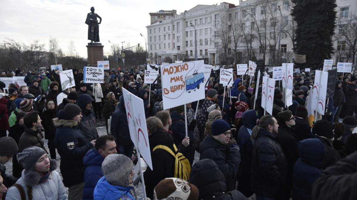 Москвичи встали назащиту троллейбусов