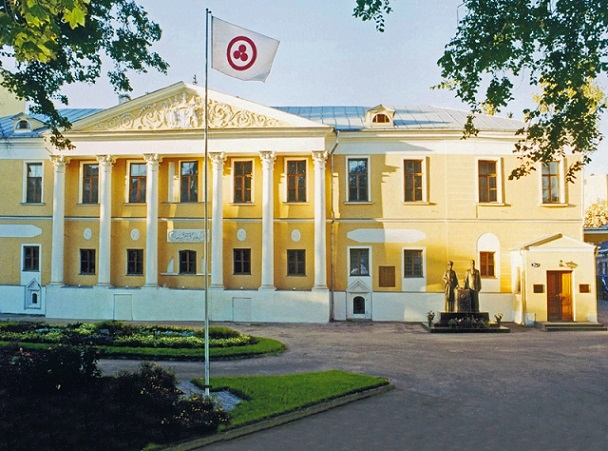 Суд постановил окончательно выселить Центр Рерихов изусадьбы в столицеРФ