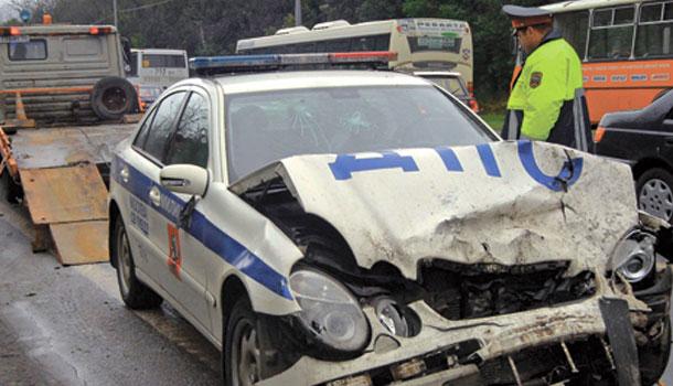 Машина ГИБДД угодила в трагедию наюге столицы