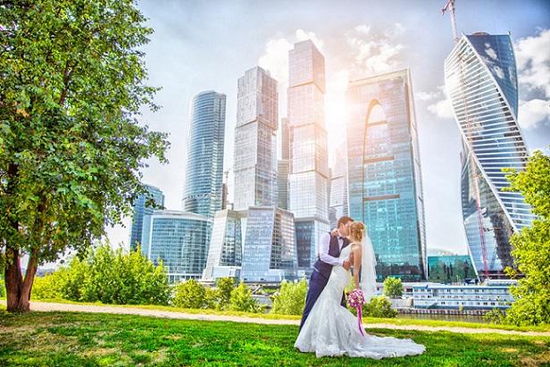 ВДень Петра иФевронии встолице поженятся неменее 1 тысячи пар