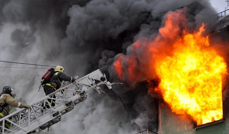 Всгоревшем доме насевере столицы найден труп мужчины