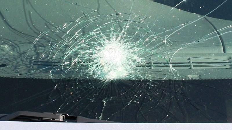 Автомобиль сбил женщину наавтобусной остановке в российской столице