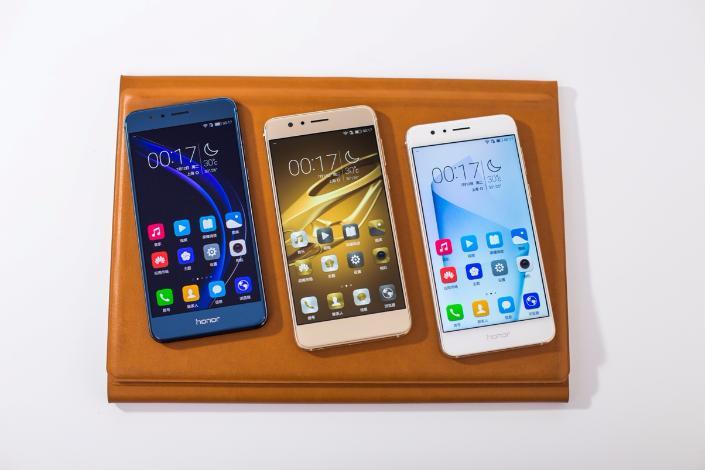 Huawei анонсирует начало продаж Honor 8 в Российской Федерации