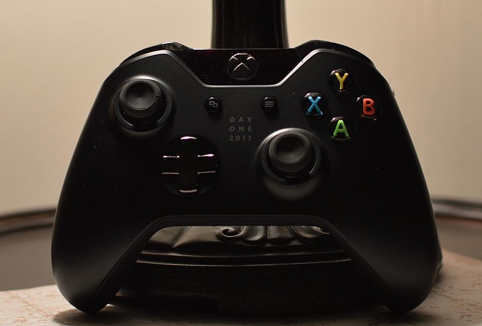 Microsoft показала новейшую приставку Xbox One
