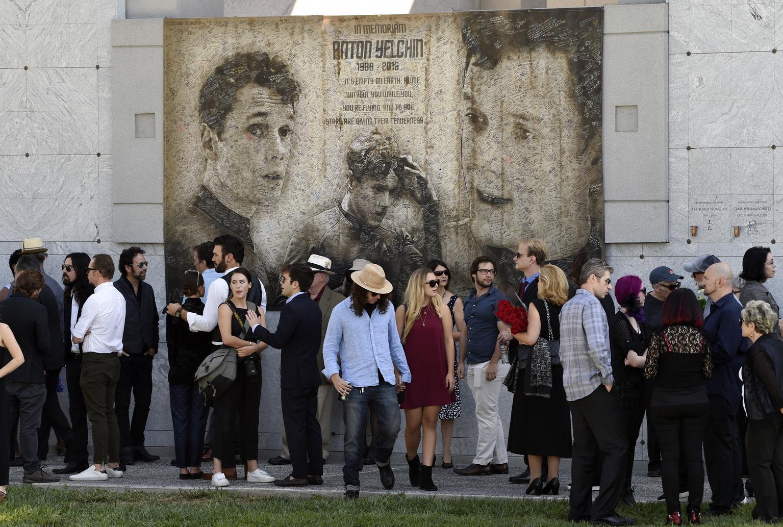 ВСША установили монумент актеру русского происхождения Антону Ельчину