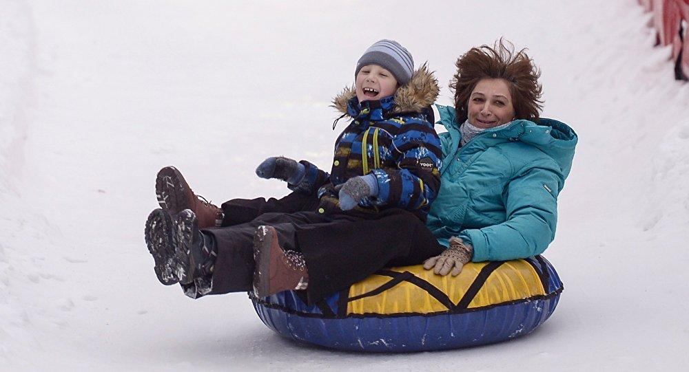 Неменее  200 лыжных трасс и30 тюбинговых горок раскроются  в российской столице  зимой