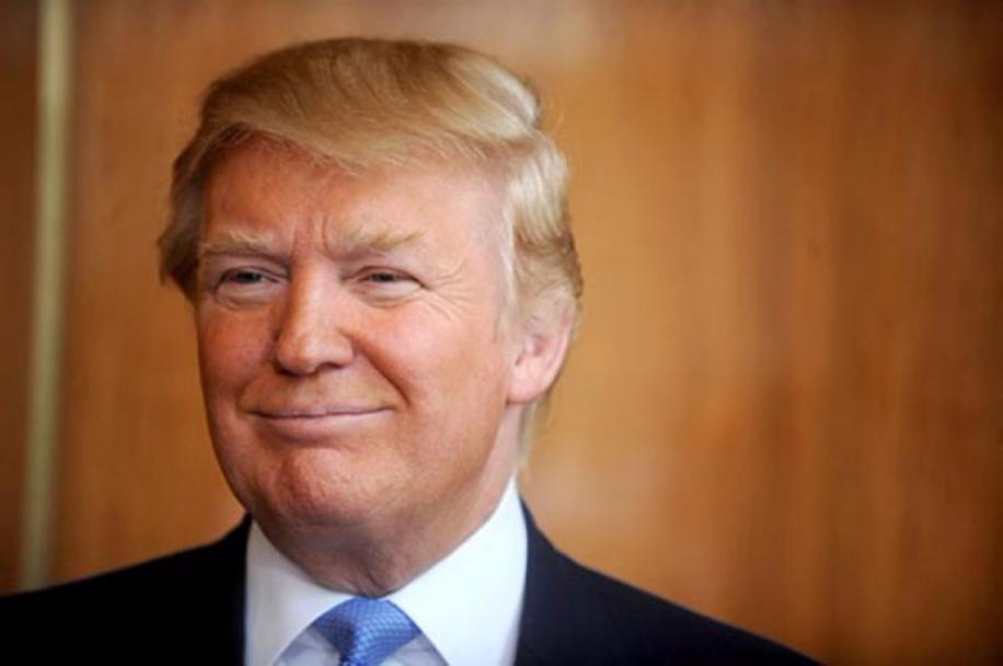Меланья Трамп ссыном непланируют переезжать вБелый дом после инаугурации