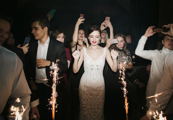 На18-летие дочери эстрадная певица Слава устроила вечеринку сразмахом