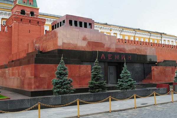 Русская зарубежная церковь призвала убрать тело Ленина сКрасной площади