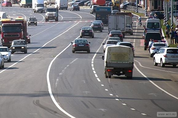 Один человек пострадал вДТП маршрутки сКамАЗ в столицеРФ