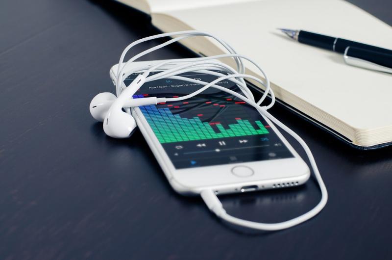 Две SIM-карты в iPhone добавит Apple