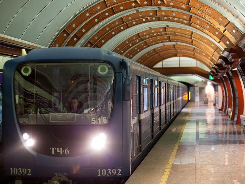 На двух станциях метро появятся зарядки для гаджетов