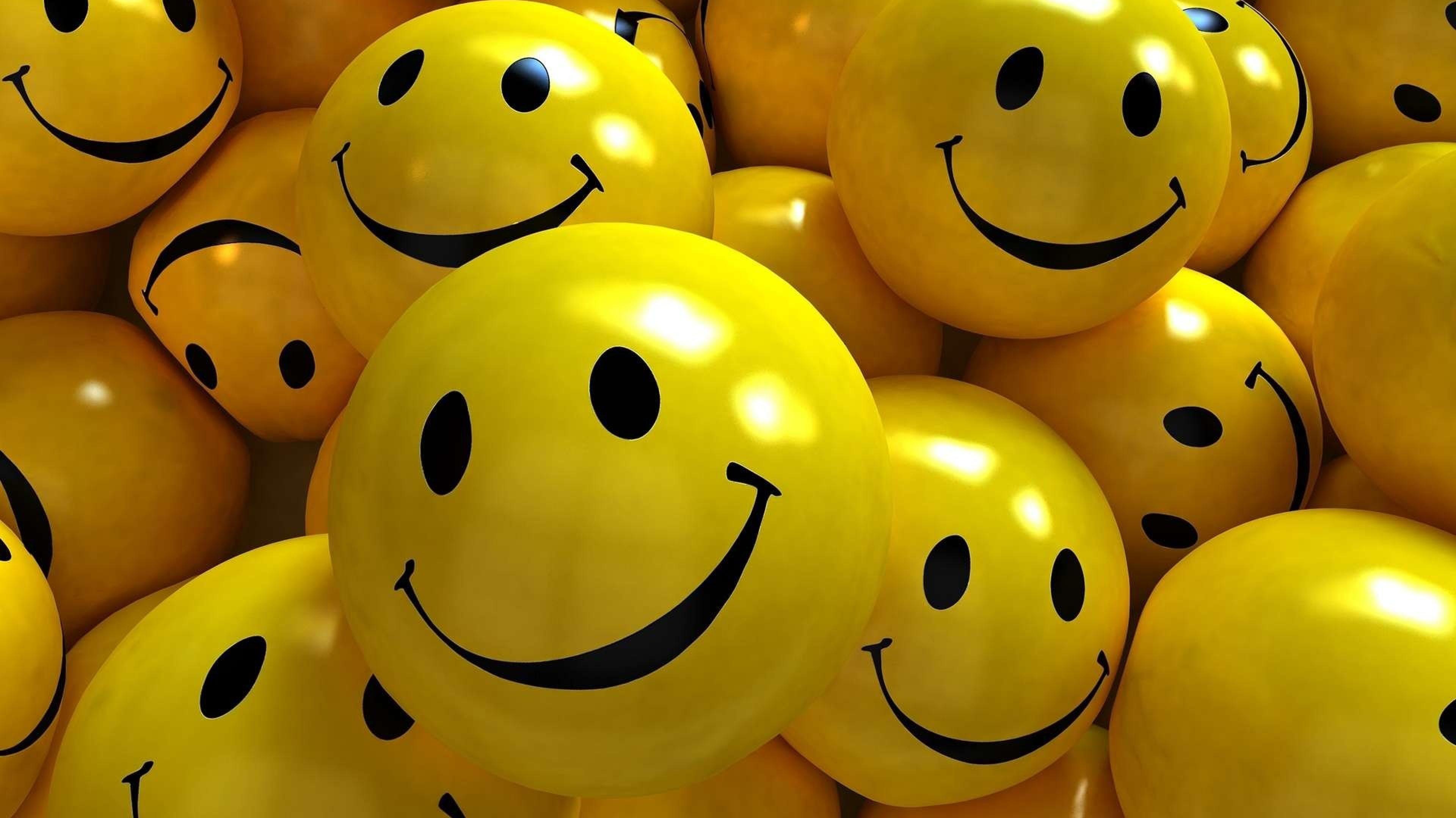 День улыбки отмечают сегодня вовсем мире