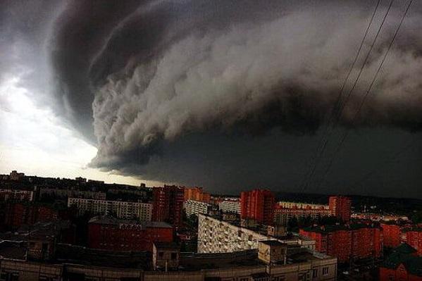 Климатолог РАН неисключает весенние штормы илетние торнадо в столицеРФ