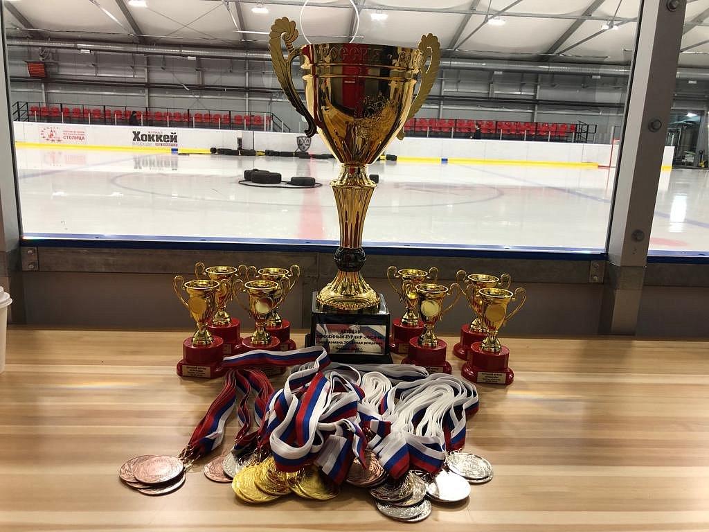 В Москве состоялся интригующий турнир по хоккею среди девятилеток