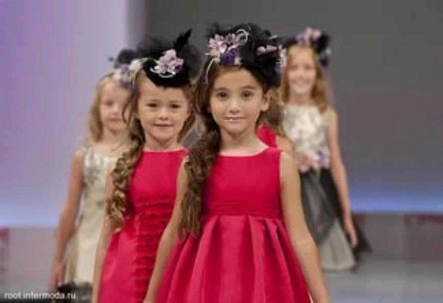 Платья для детских конкурсов моделей