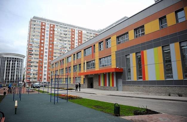 К 2021 году в Москве появится более 80 новых школ и детсадов